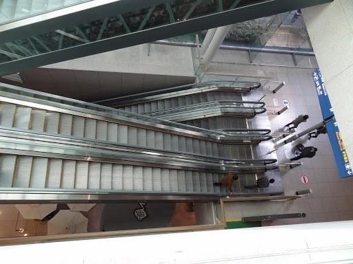 インチョン空港エスカレーター