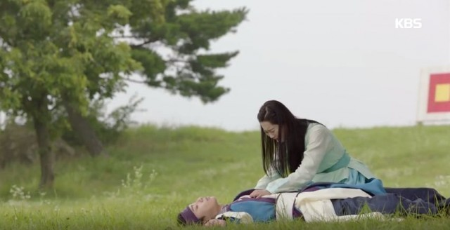 ソヌ(パク・ソジュン)、アロ(コ・アラ)にキスした後、そのまま「気絶」