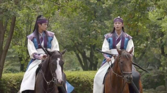 キム・ジディ(パク・ヒョンシク)はソヌ(パク・ソジュン)に弓馬を提案します。