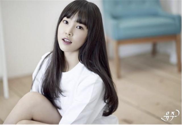 K-pop新人ガールズグループ「ヨジャチング(彼女)」のユジュ